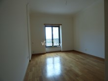 Surprising T5 Apartment with sea view in Lagos%21/26