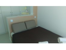 Room with double bed%4/21