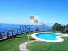 Swimming Pool and gardens%1/11