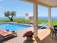 4 MHRD - Bellevue Villa - Ext pool, sunloungers & view (Large)%3/36