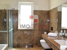 23 MHRD - Bellevue Villa - Bathroom - family (Large)%23/36