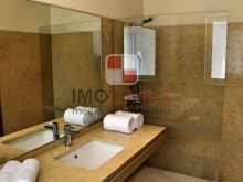 26 MHRD - Bellevue Villa - Bathroom - en-suite to bedroom 4 (Large)%25/36
