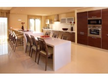 Villa Kitchen%2/6