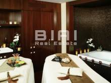 HDEF_Couple-Private-Spa-Suite-3_M-small%4/5