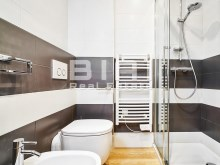 Bathroom%18/21