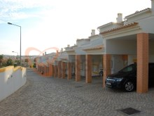Buy Semi-Detached House with garage in Guia in Albufeira%23/24