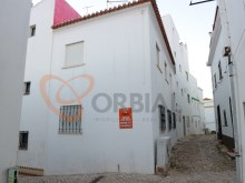 buy House in the Centre of Albufeira%1/13