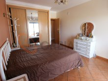 Buy 2 + 1 bedroom apartment with large balconies in Ferreiras in Albufeira%12/15