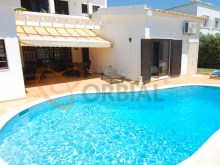 4 bedroom villa with swimming pool for sale in Albufeira%5/16