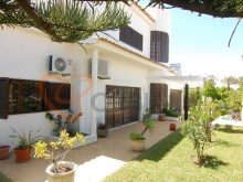 Villa with swimming pool, Garden, garage for sale in Albufeira%9/16