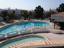 2 bedroom apartment renovated with pool near the beach in Albufeira.%16/16