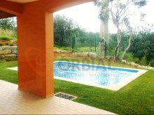 Villa with pool for sale in Algarve, Portugal%6/16
