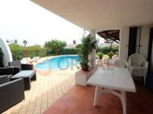 Buy 3 bedroom villa near the Centre of Albufeira%14/16