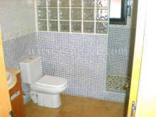 Bathroom %15/17