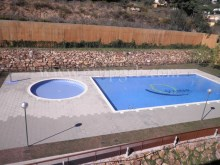 Communal swimming pool%2/13
