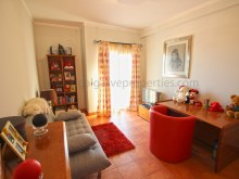 3 bedroom - privacy - pool - spacious%16/21