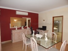 3bedroom-onelevel-villa-Quarteira-pool%7/18