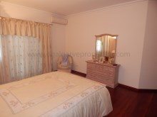 3bedroom-onelevel-villa-Quarteira-pool%16/18