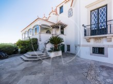 5 Bedroom House with sea view in Estoril%12/13