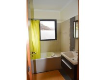 Prime Properties Madeira Real Estate Bathroom%12/21
