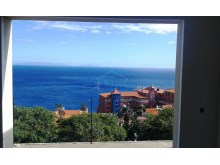 View three bedroom apartment 2%9/22