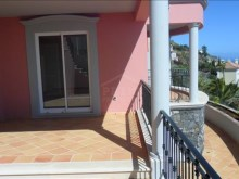 Bank Foreclosure House for sale with swiimming pool São Gonçalo Funchal (28)%26/32