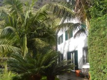 House for Sale with beautiful gardens Prime Properties Madeira Real Estate (4)%1/18
