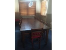 Large dining table%10/17