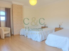 Spacious 4 Bedroom Villa close to the Center of Loule Loule › Loule (Sao Clemente)