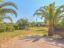 Villa with 3 + 3 Bedrooms in Quarteira Loule › Quarteira