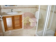 Bathroom, Villa V5 for sale, Praia do Vau, Portimão, Algarve%4/20