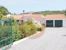 4 Bedroom Villa-For Sale-Portimao, Algarve%12/52