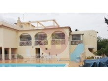 Villa with 14 suites, ideal for Hostel or nursing home.%1/12