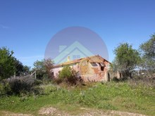 Farm-Ruin-Sale-Porches-Lagoa, Algarve%1/15