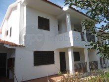 House › Sesimbra | 4 Bedrooms | 2WC