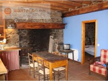 House divided into 3 apartments for sale in Vilamos, Vall d'Aran%3/13