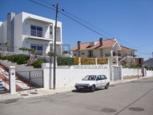 Terreno com 595m² no Zambujal%5/6