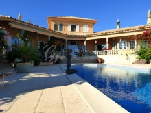 Great Family home 5 bedrooms, Garden and Pool at Quinta Verde, Quinta do Lago | 5 Bedrooms + 1 Interior Bedroom | 5WC