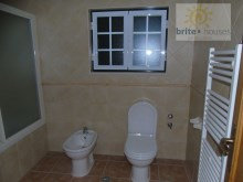 bathroom with bath%9/19