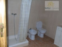 bathroom with shower unit%17/19