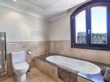 11 Guest bathroom%11/42