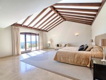 23 Master bedroom suite%14/42