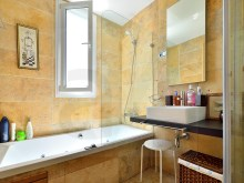 Bathroom suite%8/12