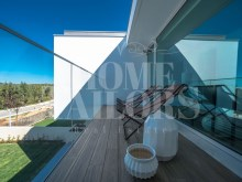 LGV_THouse-Model-Int20_Terrace-Master-Suite%24/28