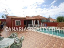 Haus in Playa del Ingles (Gran Canaria). 4 Schlafzimmer%2/17