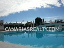 Complex with swimming pool%12/13