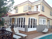 Lovely house with swimming pool%1/14