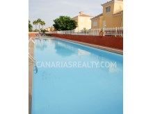 Complex with swimming pool%10/11