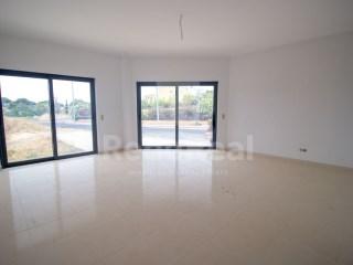 4 Pièces Appartement Quelfes - Acheter