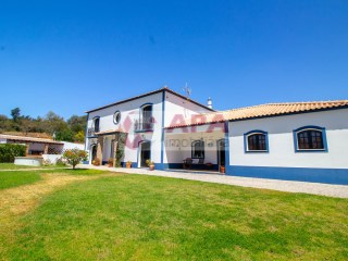 4 Bedrooms House Moncarapacho e Fuseta - For sale